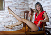 Teen flicka göra stretching motion — Stockfoto