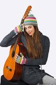 Teen girl with guitar — Stock Photo