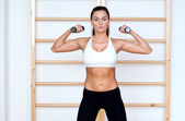 Fit woman working out — Stock Photo