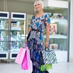 Woman shopping — Stock Photo #26574805