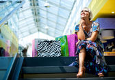 Woman in shopping mall — Stock Photo