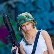 Army girl with rifle — 图库照片