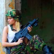 Army girl with rifle — Foto de Stock
