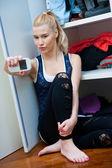 Teen girl making selfie in her room — Zdjęcie stockowe