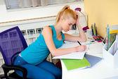 Teen girl study in her room — Foto de Stock