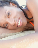 性感的女人晒日光浴 — 图库照片