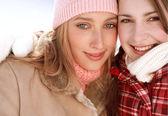 Girls friends  in winter — Stock Photo