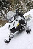 Scooter op sneeuw — Stockfoto