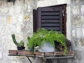 Window in an old wall — Stock Photo