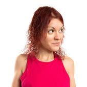 Kızıl saçlıya kız beyaz arka plan üzerinde — Stok fotoğraf