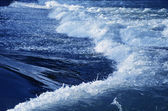 Wave and water flow — Stock Photo