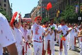 San Fermin, young shouting in the street — Stock Photo