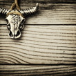 Buffalo skull on wooden background — Zdjęcie stockowe