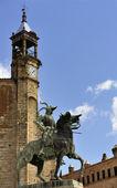 Equestrian statue of Francisco Pizarro (Trujillo, Extremadura, S — Stock Photo