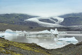 Pobřeží jezera fjallsarlon ledovce, island — ストック写真