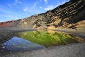 Green Lagoon in volcanic landscape, El Golfo, Lanzarote, Canary — Stock Photo