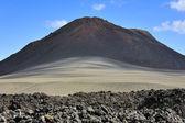 Lave, de sable et de volcan au parc national de timanfaya, lanzarote isl — Photo