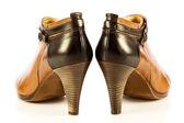 白い背景の上のハイヒールの女性靴 — ストック写真