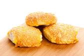 奶酪面包卷 isolatedon 白色背景 — 图库照片