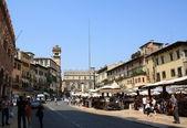 Piazza delle erbe, verona, italia — Foto de Stock