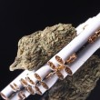 Foto Stock: Marijuanand Tobacco