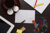 Radiergummi auf papier — Stockfoto