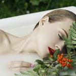Girl takes a bath in the beauty salon — Stock Photo #31138487