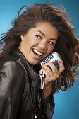 Singing Woman with Retro Microphone. Beauty Glamour Singer Girl. — Stockfoto