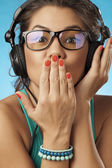 Young woman with headphones listening music .Music teenager girl — ストック写真