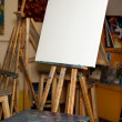 An empty easel. Canvas. palette — Stock Photo
