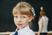 Young girl in classroom. School. fashion — Stock Photo
