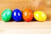 Ovos de páscoa em madeira — Fotografia Stock