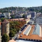 Stuttgart Old Castle and Market hall - Altes Schloss Stutgart und die historische Markthalle — Stock Photo