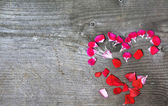 Valentines concept heart made with flowers — Стоковое фото