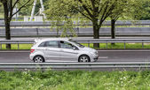 Mercedes b rijden — Stockfoto