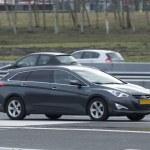 ������, ������: Hyundai I40 driving down the road