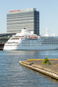 Big Cruise Ship in Amsterdam — Stock Photo
