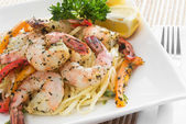 Shrimp and linguini — Stock Photo