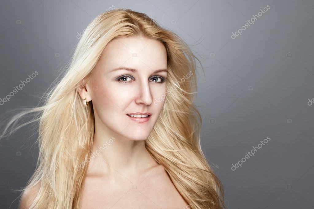 Полная блондинка с голубыми глазами смотреть онлайн фотоография
