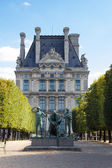 Statue near Louvre museum — Stock Photo