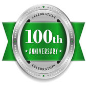 Green 100 year anniversary badge — Stock Vector