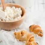 biscoitos e queijo cottage — Foto Stock