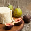 White cheese with figs — Stock Photo