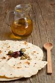 橄榄油用橄榄和面包 — 图库照片