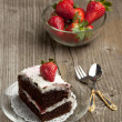 Chocolate cake with strawberry — Stock Photo #20091069