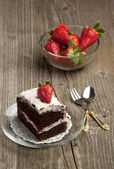 Chocolate cake with strawberry — Stock Photo