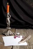 Bodegón con candelabro viejo y pimienta — Foto de Stock