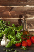 Basil, garlic and tomatoes — Stock Photo