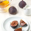 Figs and honey — Stock Photo