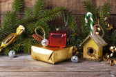 Christmas decoration with nesting box — Stok fotoğraf